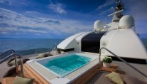 JAde yacht by CRN - Spa Pool